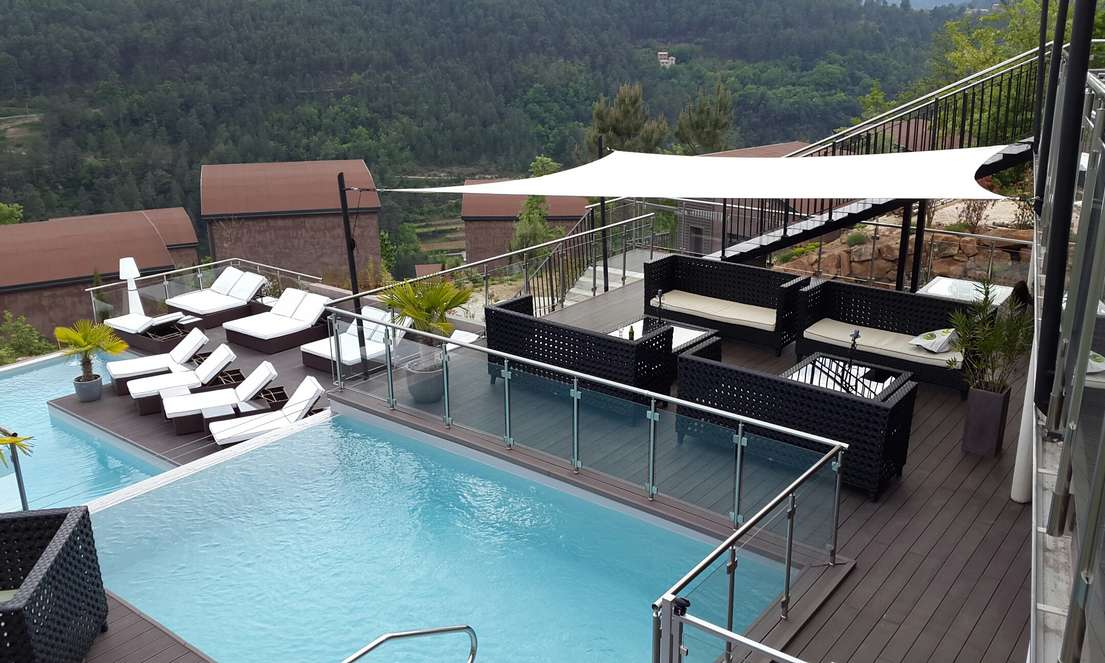 petite piscine piscines xs enterr e hors sol b ton pvc ou bois. Black Bedroom Furniture Sets. Home Design Ideas