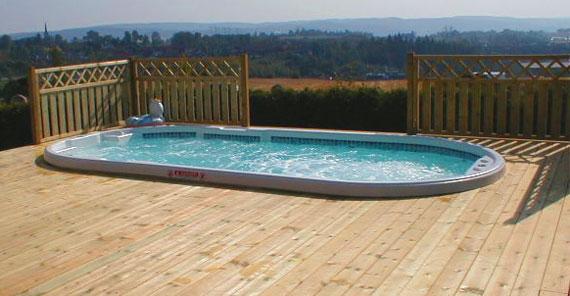 Spa de nage en coque polyester, version extérieure