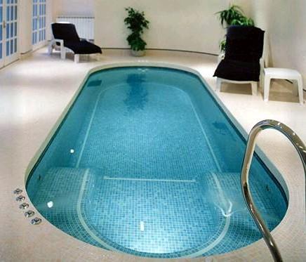 Spa de nage en mosaîque en version intérieure